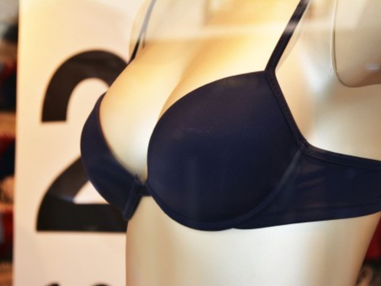 All-You-Need-To-Know-About-34B-Breast-Size
